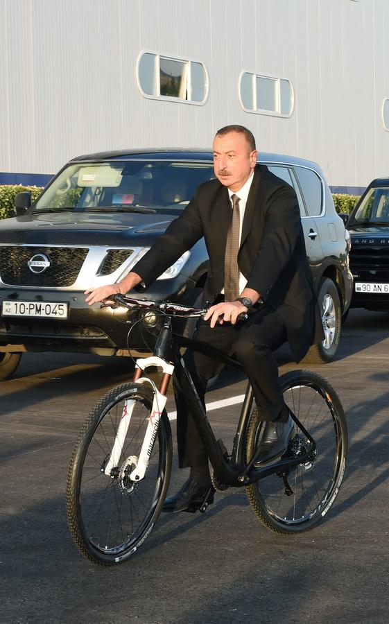 Prezident velosiped zavodunun achilishinda 3