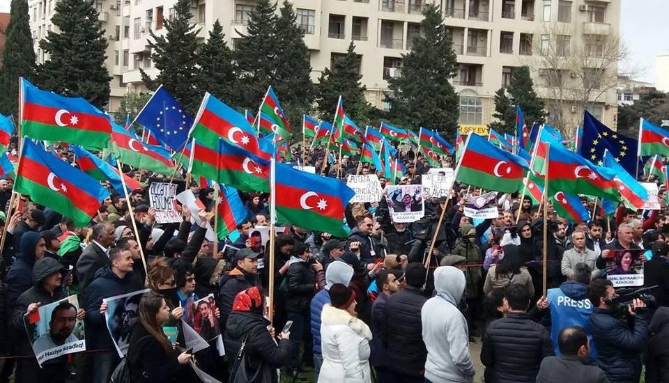 Image result for Azərbaycan etiraz mitinq
